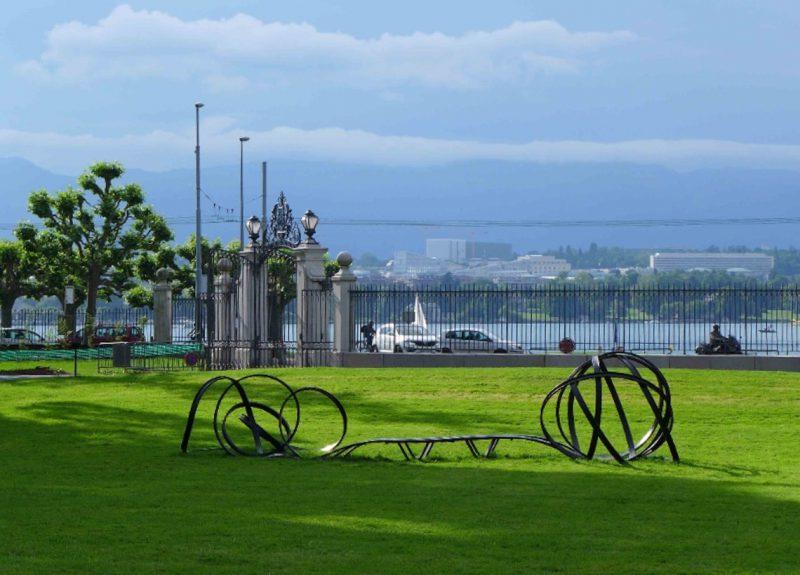 Pablo Reinoso installation at Parc des Eaux Vives Geneva