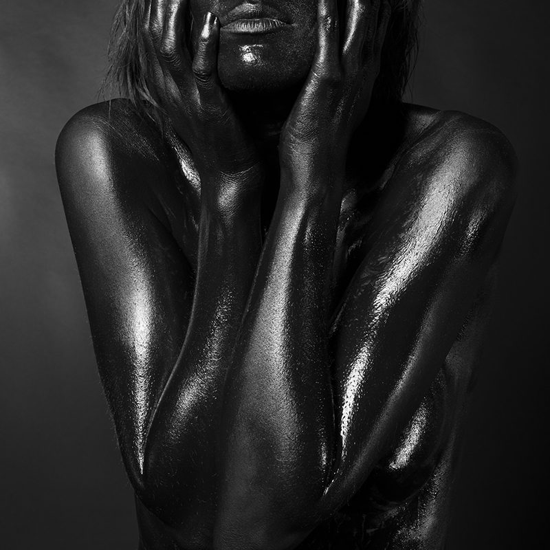 Black Nudes BE02